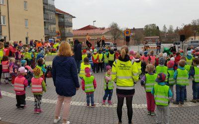 """Förskolans dag firas med invigning av utställningen """"Barns röster"""""""