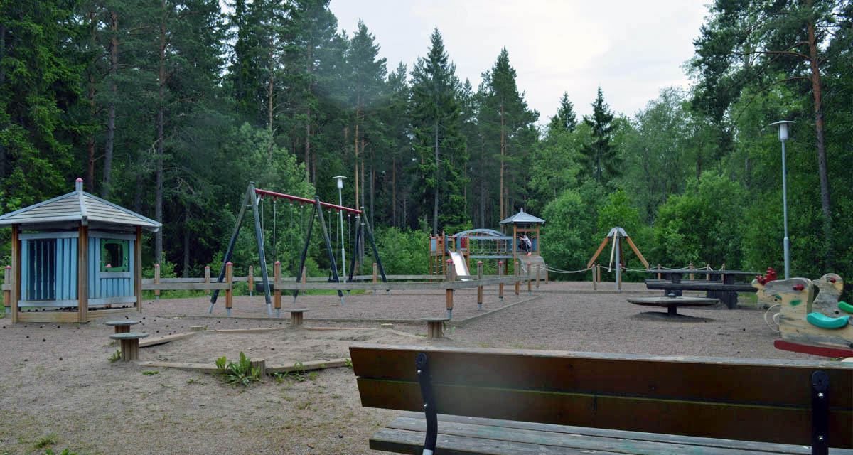 Lekplats vid Åsgatan 4 i Alsike