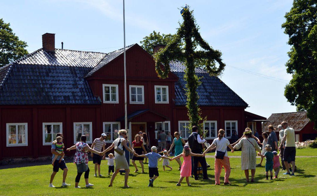 Midsommarfest på Tilasgårdens Tun