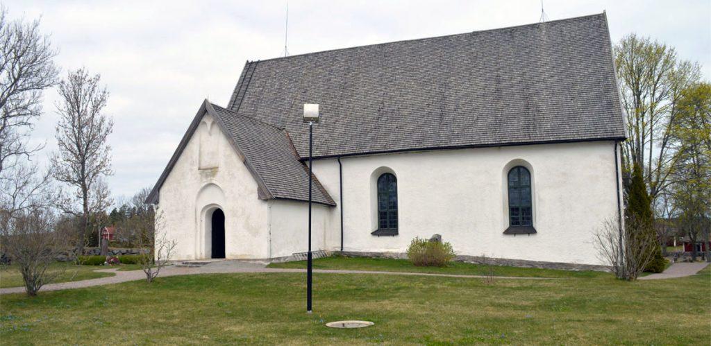 Östuna kyrka