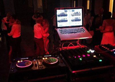 DJ till festen Knivsta