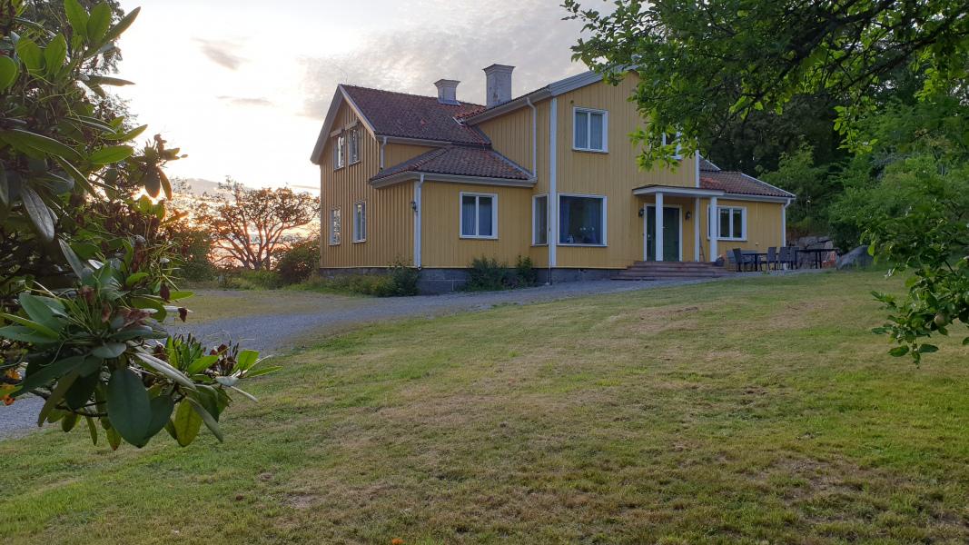Villa Ragnhildsvik, Ekhamn i Knivsta. Hyr för konferens och fest.